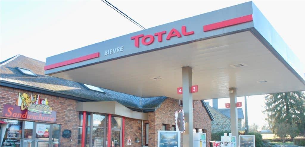 Station Total Pierrard de Bièvre